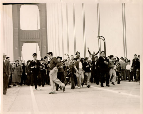 [Pedestrian Day on the Golden Gate Bridge]