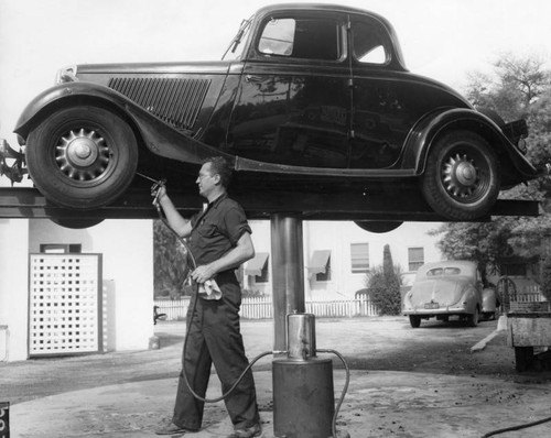 Servicing an automobile