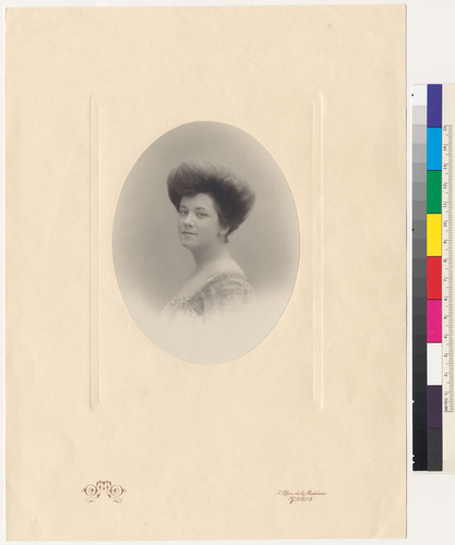 [Oval portrait of Louise Tevis Breckinridge.]
