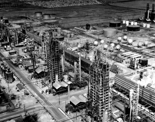 Unidentified oil refinery, aerial