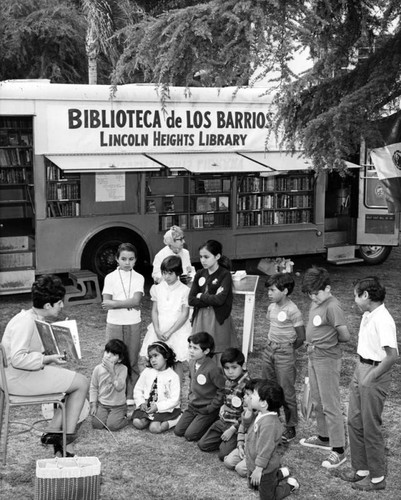 Los Angeles Public Library bookmobile