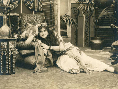 Production scene from Thanhouser costume drama