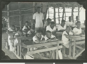 Class at out-school, Eastern province, Kenya, ca.1959