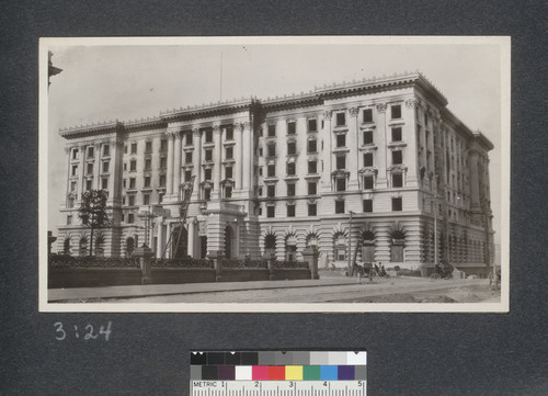 Fairmount [i.e. Fairmont] Hotel, gutted completely by the fire. April 23, 1906
