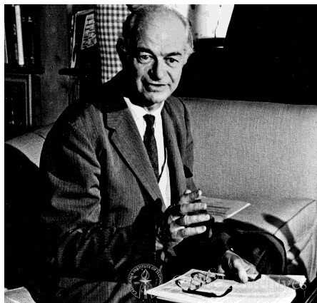 Linus Pauling at Nobel Peace Prize news conference