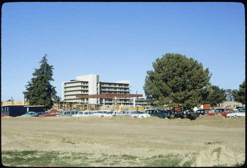 Revelle Commons under construction