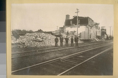 [Earthquake damage in Santa Rosa.]