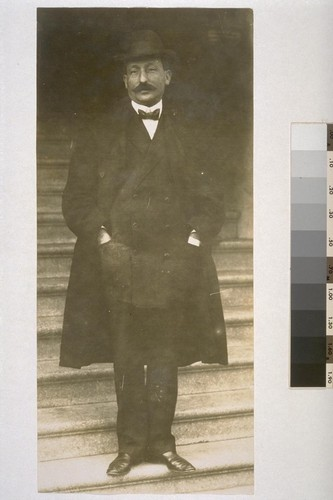 "The ""Curly Boss."" Abe Ruef during the graft trials. 1907. [With enlarged copy print.]"