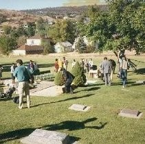 Tule Lake Linkville Cemetery Project 1989: Participants at Cemetary