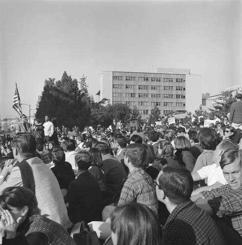 Crowd at Oxford and Addison during march to UC Regent's meeting