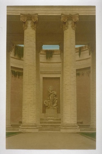 """Autumn"" (Furio Piccirilli, sculptor), northeast corner, Court of Four Seasons (Henry Bacon, architect)"