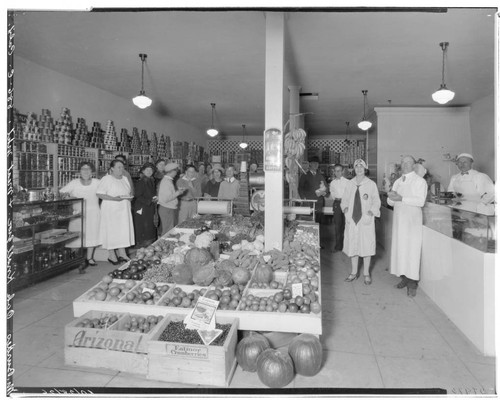 Oak Knoll Grocery and Meat Market, 886 East California, Pasadena. 1926