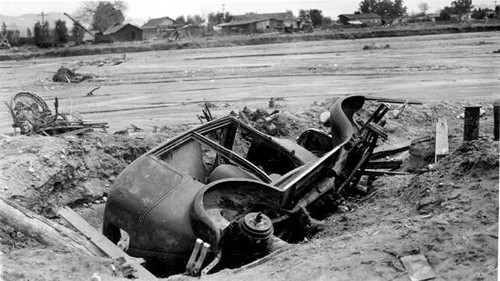 Los Angeles River flood aftermath in North Hollywood, 1938