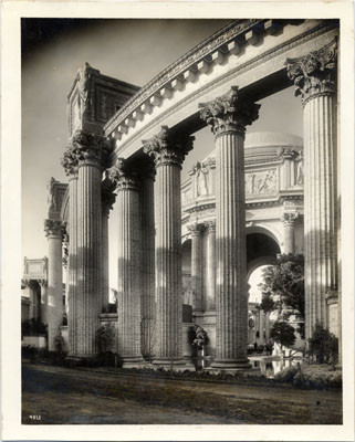 [Colonnade at Palace of Fine Arts, Panama-Pacific International Exposition]