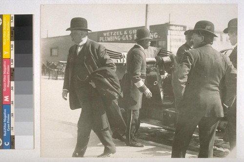 Pat Calhoun. Going to court before Judge Lawlor. 1907