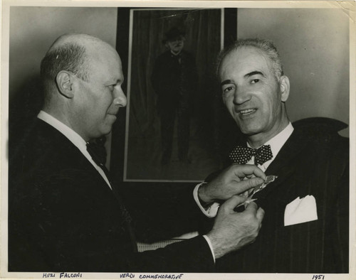 Frank V. de Bellis receiving medal from Italian Consul General in San Francisco Baron Filippo Musi-Falconi at Verdi Commemoration