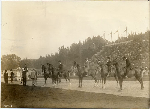[Society Horse Show at Panama-Pacific International Exposition]