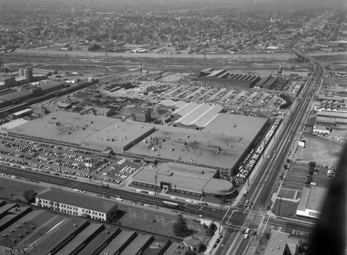 Ford Motor Co., Lincoln-Mercury Plant, looking east