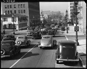Traffic at Wilshire Blvd. and Bonnie Brae, 1937