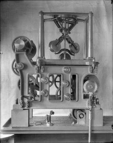 Driving clock of the 100-inch telescope, Mount Wilson Observatory