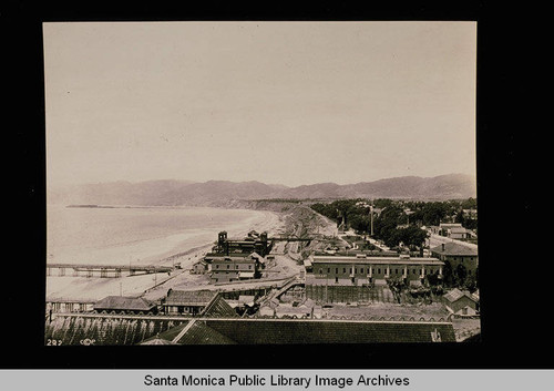 North Beach and bathhouse looking towards the Santa Monica Mountains