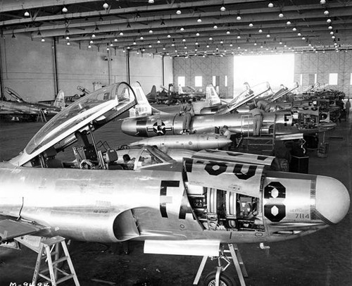 Maintenance hangars for military aircraft at Van Nuys Airport, 1955