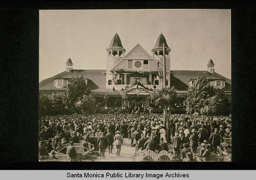 President William McKinley speaking from the steps of the dining hall at the Soldiers' Home, Calif., May 9, 1901