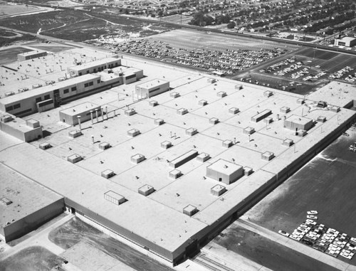 Ford Motor Co., Mercury Plant, Washington and Rosemead, looking south