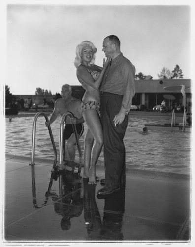 Som er dating Jayne Mansfield
