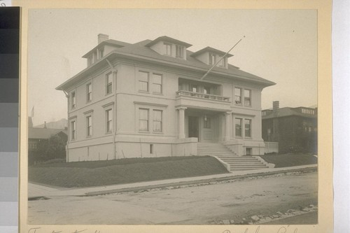Fraternity House, Berkeley, California [building formerly on NE corner of Channing and Bowditch]
