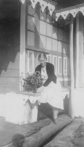 Missionary and Teacher Bessie Fischer, sent by DSM to North India, 1934-39 + 1946-48. Founder o