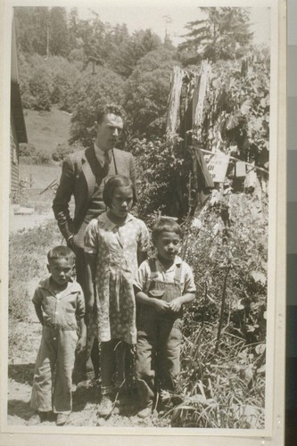 Douglas Hayes and Ed Lopez children, Smith River, Calif. June 18, 1938