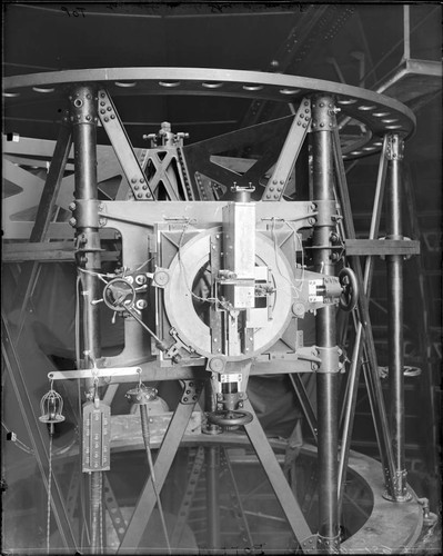Wright's quartz spectroscope on the 100-inch telescope Newtonian cage, Mount Wilson Observatory