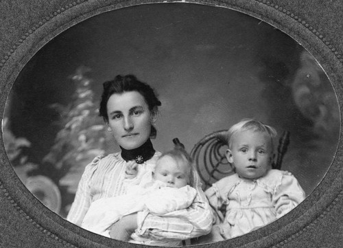 Portrait of Flora Weisel Hiltscher, her daughter Josephine, and son Peter. [graphic]