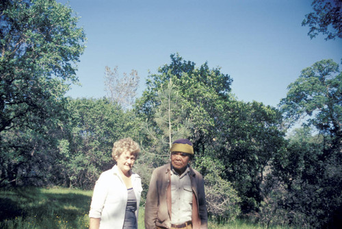 Dorothy Hill with Roy Scott at Kupno birthplace