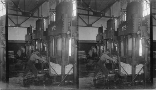 Calisphere: Hydraulic Press Pressing 600 Tons  Provincial