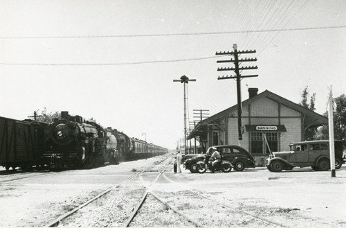 Calisphere: The Southern Pacific Railroad and depot in