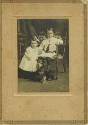 Barney Allen Cogsdell and his younger sister Hattie Mabel in 1910