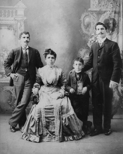 Onofrio family, a portrait