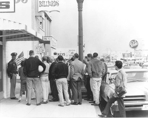 Anti Neo-Nazi picketers in Glendale, 1965