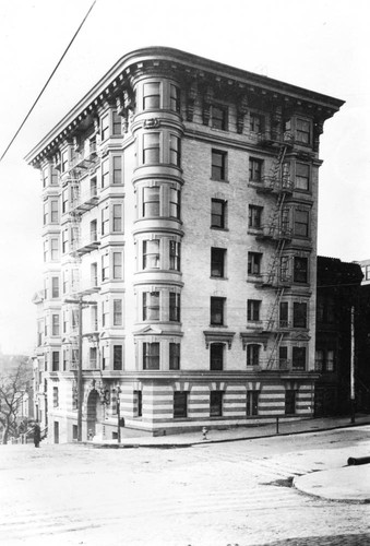 Unidentified Building After San Francisco Earthquake