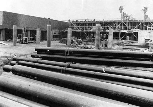 Crews work to complete Valley police headquarters by early 1964