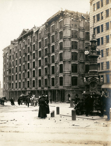 Palace Hotel, San Francisco Earthquake and Fire, 1906 [photograph]