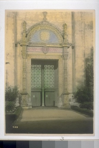 Portal, Palace of Varied Industries (W.B. Faville, Architect). Hand-colored. H103