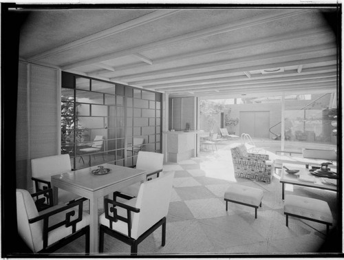 Cotton, Mrs. C. M., residence. Living room