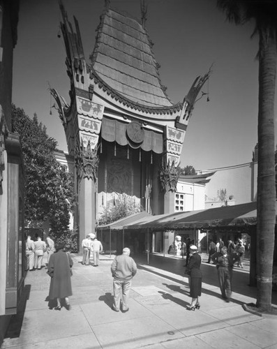 Entrance, Grauman's Chinese Theatre