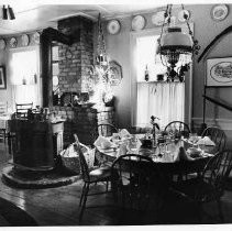 Dining room at the Vineyeard House in Coloma