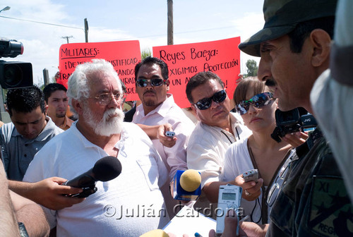 Military press briefing, Juárez, 2008