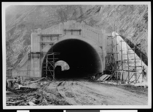Construction of the Figueroa Street Tunnel