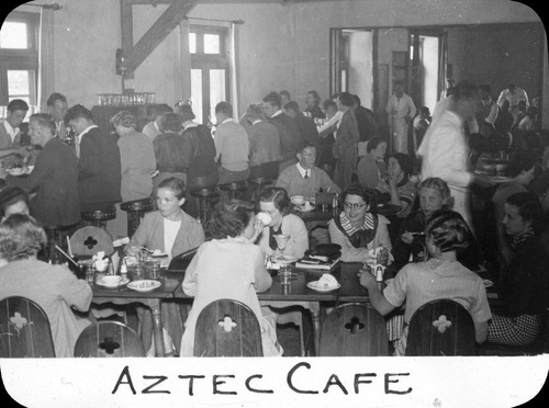 Aztec Cafe / Lee Passmore